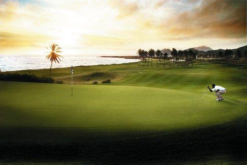 Golfing in Paradise: StKitts