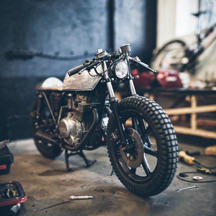 Yamaha XS360 Cafe Racer by The Hookie