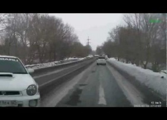 Meanwhile in Russia: Overtaking Like a Boss | ClickExist