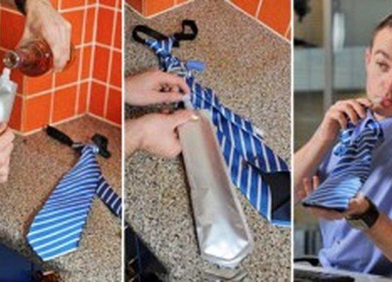 Flask tie - necktie with secret bladder inside