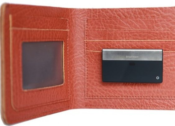 SmartWallit keeps track of your wallet and phone