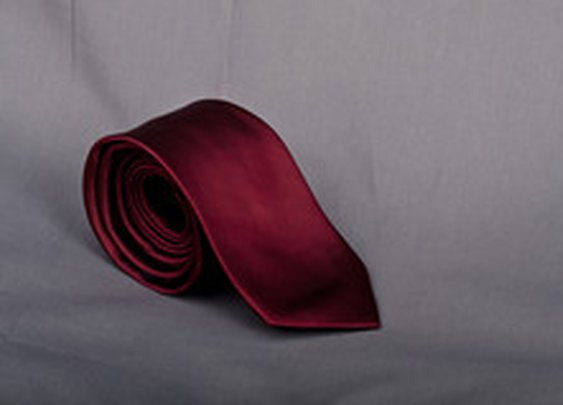 Fresh Men - Dark Red Solid Skinny Tie: Stand Out | Fresh Men Wear