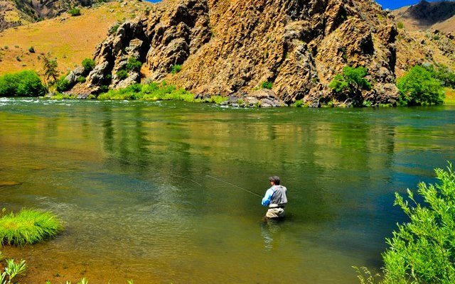 Dos and Donts of Fly Fishing | How to Trout Fish - How to Fly Fish