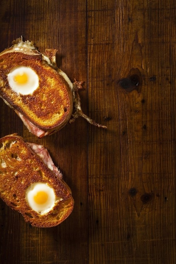How to: Make an Egg Sandwich Like a Culinary Genius