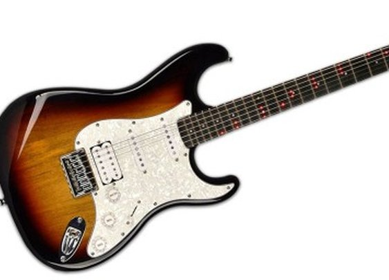 """Learn to Play the Guitar with a """"Smart"""" Fretlight Guitar"""