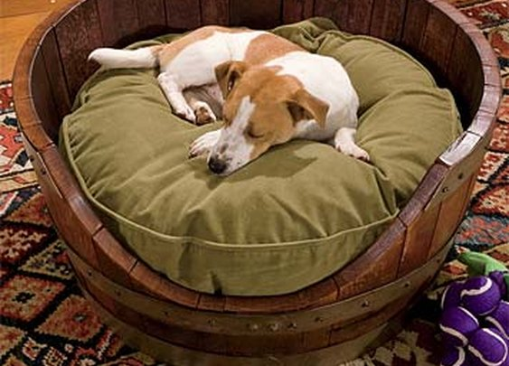Orvis Wine Barrel Dog Bed