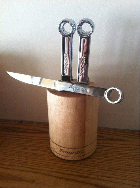 Wrench knives.