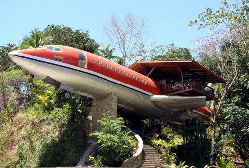 Airbnbest: 727 Fuselage Home - Thrillist Nation
