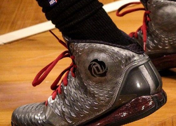 Derrick Rose's Comeback Shoe ~ The Good Guys Corner
