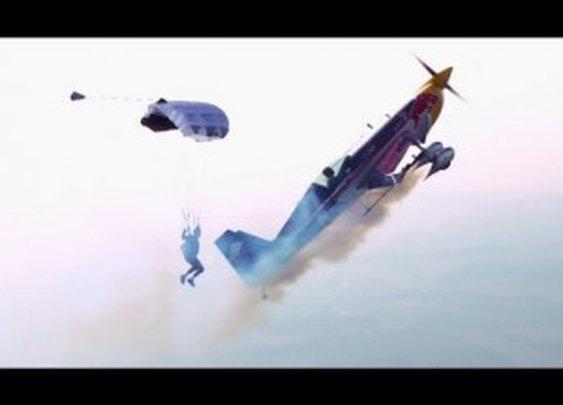 Airplane vs. Parachutist – Martin Sonka & Petr Mestak 2013