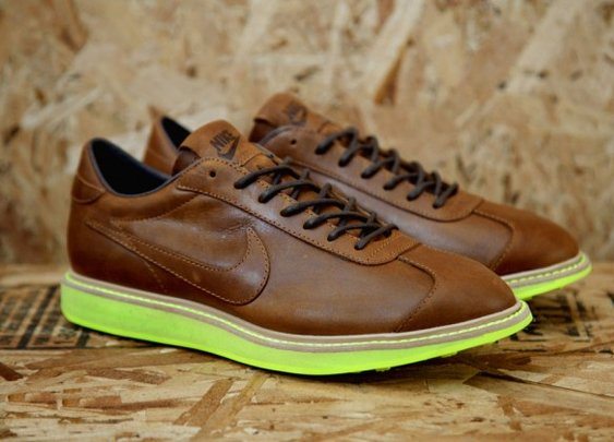 Nike 1972 Dark Brown