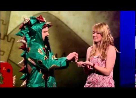Easily the funniest magic trick i've ever seen - penn and teller - YouTube