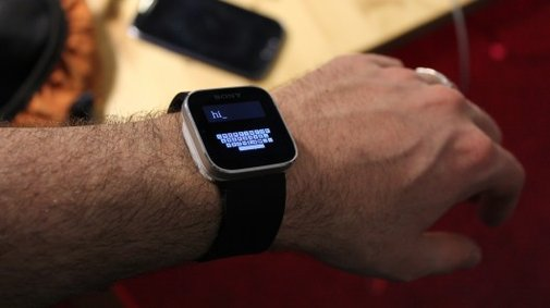 ZoomBoard allows for easier typing on smartwatch screens