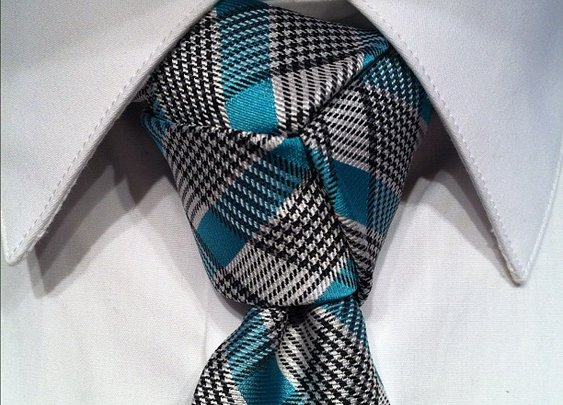 How to Tie a Trinity Necktie Knot - The Fanciest of Tie Knots