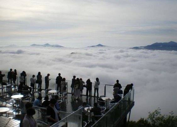 Fascinating Look at Japan's Unkai Terrace, a Place Above the Clouds ~ Planet Viral
