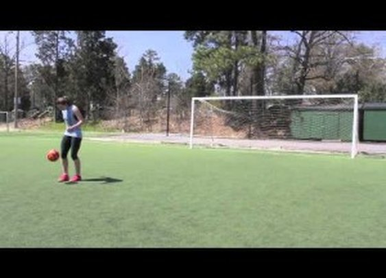 Crossbar Challenge – Freestyle Soccer Skills by Indi Cowie