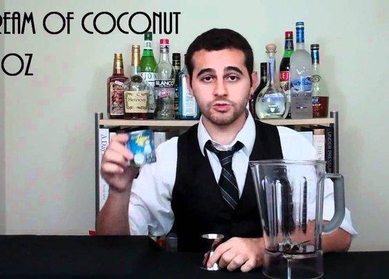 How to Make the Perfect Classic Piña Colada