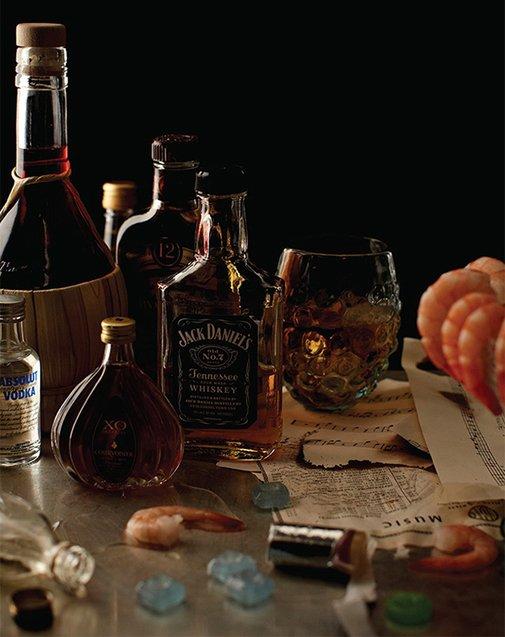 Huckberry | What Frank Sinatra Drank Backstage