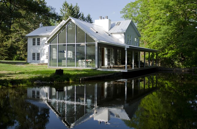The Floating Farmhouse