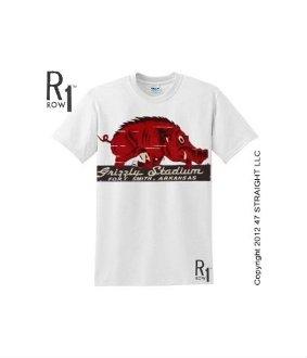 Arkansas Razorbacks gifts. Arkansas Razorbacks T-shirts. ROW 1™ vintage tees.
