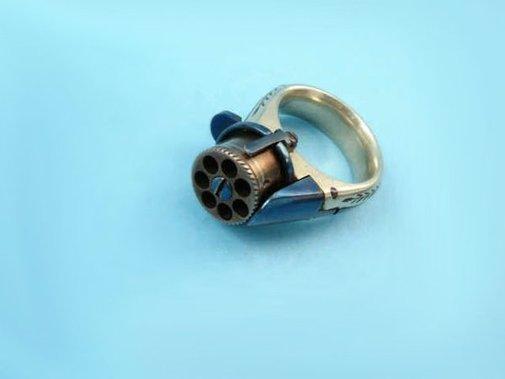 Femme Fatale Ring Gun
