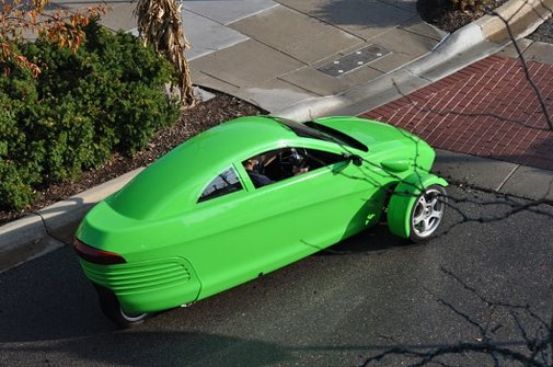Elio Motors highlights its $7,000, 84-mpg 3-wheeled car