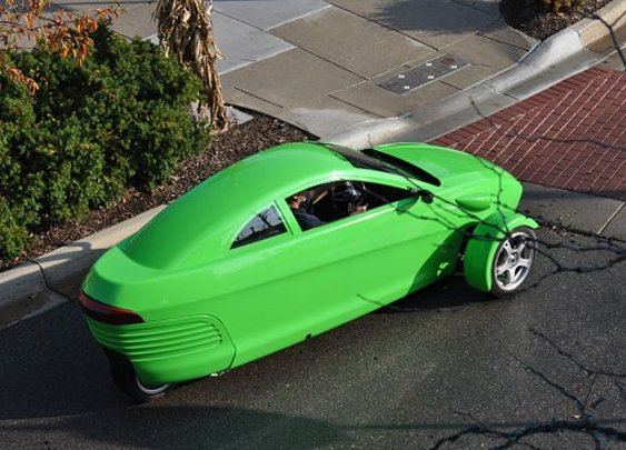 Elio Motors highlights its $6,800 84-mpg 3-wheeled car