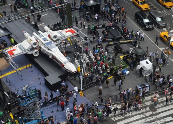 World's Record Lego Set | Life-Size X-Wing From 'Star Wars'