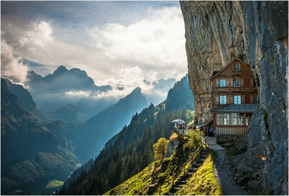 MOUNTAIN GUEST HOUSE | SWITZERLAND