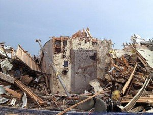 Vault Used As Storm Shelter in 2013 Moore Tornado | StashVault