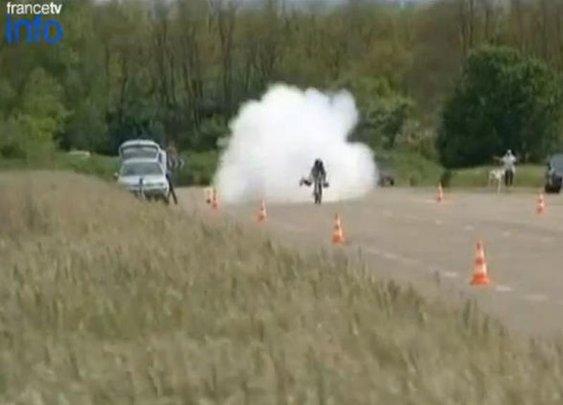 Video: Frenchman Rides Rocket Bike To 163 MPH