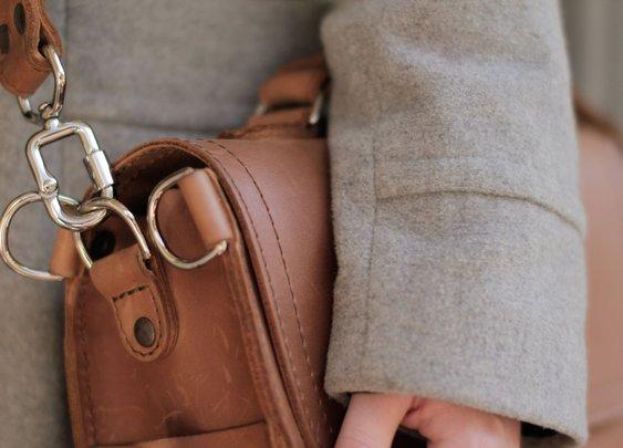 Examining The Saddleback Leather Screw Clasp Issues