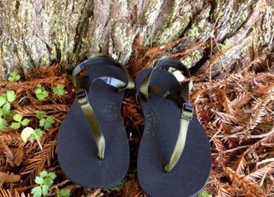 Earthquake Barefoot Huarache Running Sandals | Bedrock Sandals