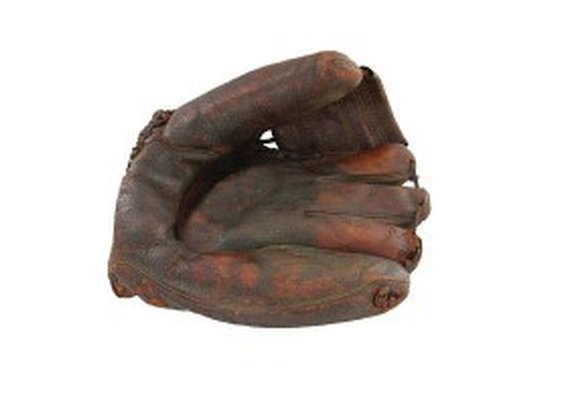 Jackie Robinson glove sells for $373,000 at auction - ESPN