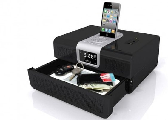 Dual-purpose safe doubles as an iPod dock