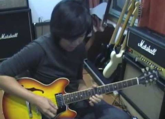 Guitar Solo In B Minor by Jack Thammarat - YouTube