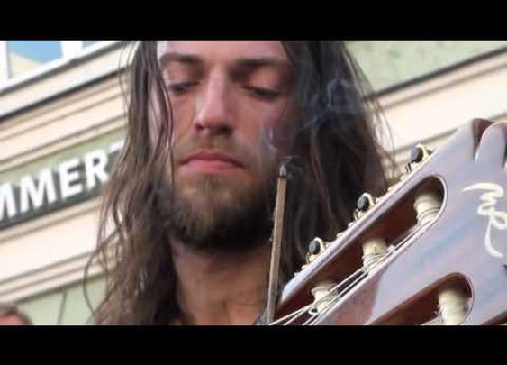 Amazing acoustic guitar solo by Estas Tonne - YouTube