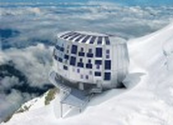 Refuge du Goûter: Space-Age Self-Sufficient Alpine Lodge is the Highest Building in France
