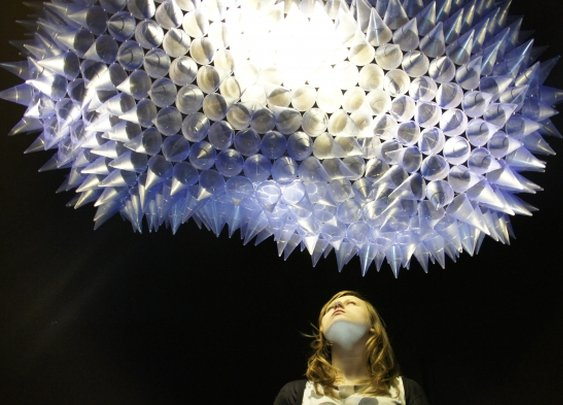 Interactive Light Sculpture Moves Just Like a Living Creature