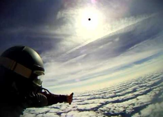 HaloJumper:  Skydiving from 30, 000 ft