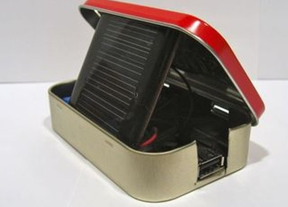 DIY Solar USB Charger - Altoids