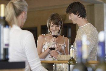 How To Taste Wine - Wine Tasting Tips