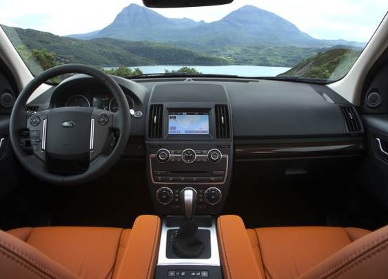 2013 Land Rover LR2 | Baxtton