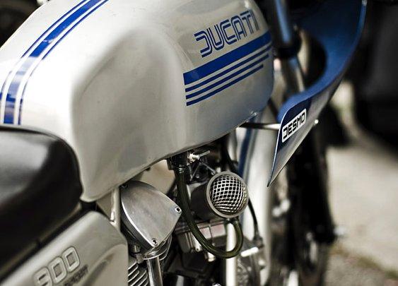 La Musique Graphique | portofbello: Ducati 900 SS