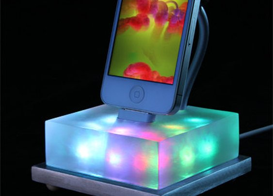 Color Changing iPhone Dock like a Lavalamp