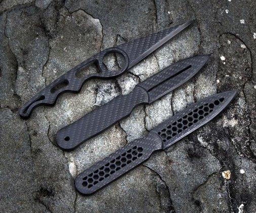 Carbon Fiber Daggers | DudeIWantThat.com