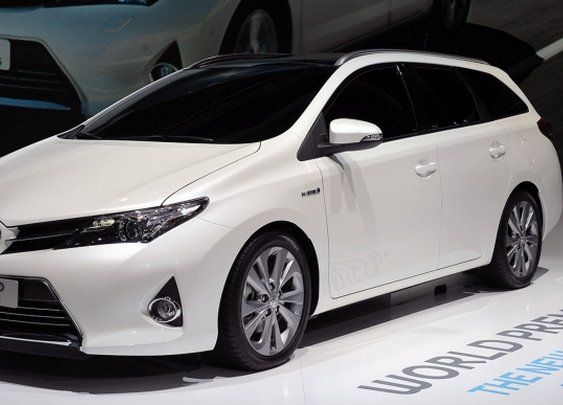 2013 Toyota Auris Touring Sports Road Test Review, Specs, Price, Release | NSTAutomotive