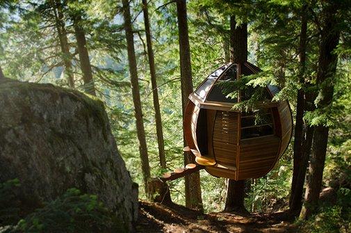 Huckberry | The Hem Loft Treehouse