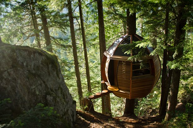 Huckberry | The Hem Loft Treehouse