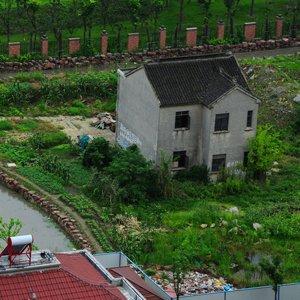 Moat built around house - Kinda Funny!